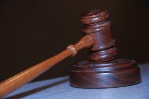 Regole per i procedimenti giudiziari nelle trasmissioni radiotelevisive E AI FORNITORI DI CONTENUTO VIA CAVO (INTERNET)