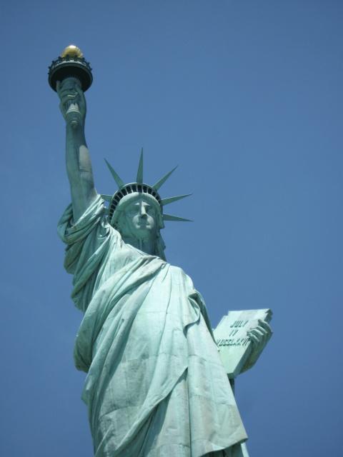 L'assimilazione patriottica del immigranti secondo Trump