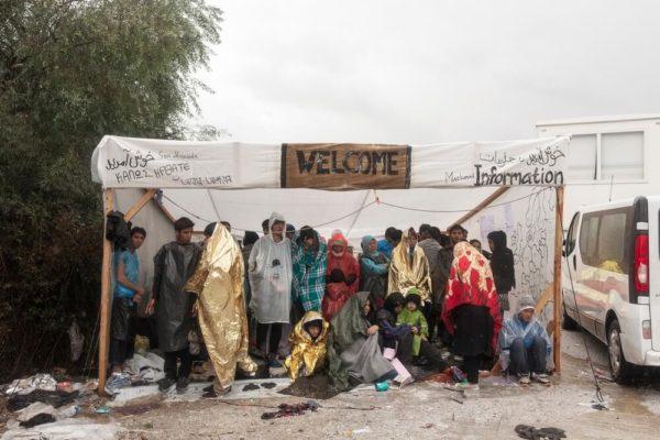Immigrazione in Grecia e isolamento nei lager: incivile