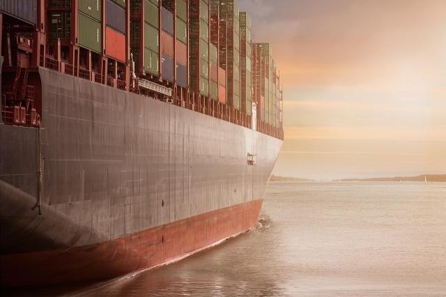 Canale di Suez: una proposta per disincagliare la nave.