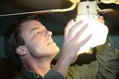 cambio lampadina John Edwards 2008.jpg